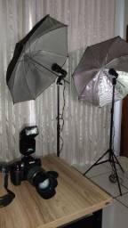 Camera Nikon D90 com flash e guarda chuvas