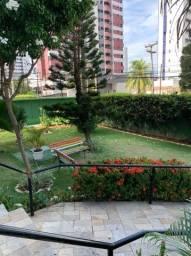 H.B Venda apartamento em Candeias, próximo ao Bompreço. 76m 3 qts  2 vgs com armários