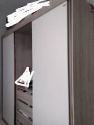 Guarda roupa duas portas(menos de 3 meses de uso)