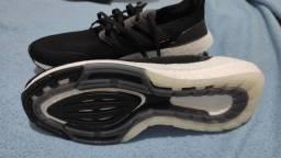 Tênis Adidas UltraBoost 21  N: 43