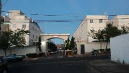 Apartamento com 3 dormitórios para alugar, 0 m² por R$ 880,00/mês - Parque São Geraldo - U