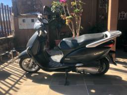Honda Lead 110 cc- pego iPhone ou moto na troca