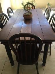 Vendo mesa  de embuia maciça com 6 cadeiras