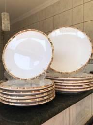 Pratos de bambu