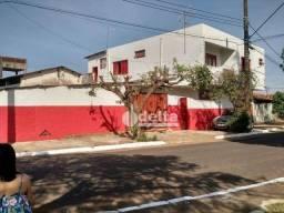 Galpão à venda, 300 m² por R$ 1.000.000,00 - Miranda - Araguari/MG