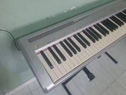 Piano digital Yamaha P-85