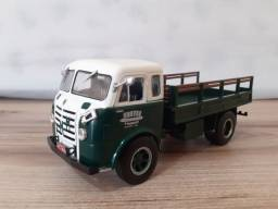 Caminhão Miniatura FNM D9500 brasinca metal 1:43