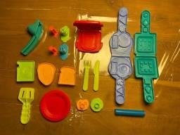 Brinquedo Kit Massinha Comidinhas com 18 Peças - Play Doh - Tudo Junto