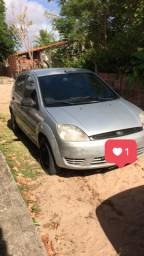 Carro Ford Fiesta 2006