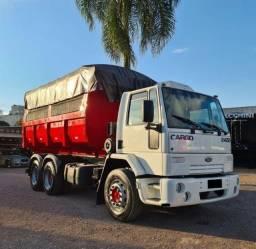Caminhão Truck 6×2 Ford 2422 caçamba 2011