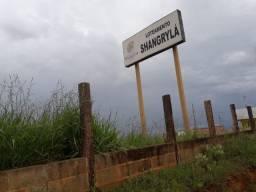 Terreno 10x25m no Loteamento Shangrilá - São José da Barra - MG