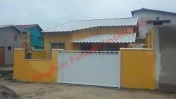 Cod.:AM2157 Casa Nova, 2 Quartos sendo 1 Suíte, em frente a praia Cabo Frio (Unamar)