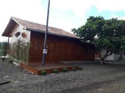 Casa no alagado do Rio Iguaçu