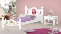 Linda cama Iris infantil adesivada