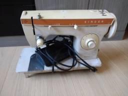 Máquina de Costura Elgin - 220 v