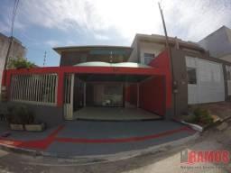 Belíssima Casa Duplex dividida em dois pavimentos em Colina De Laranjeiras Serra/ES