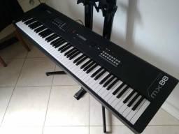 Piano Digital Yamaha MX88 (synth)