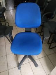 Cadeira de escritório tipo diretor
