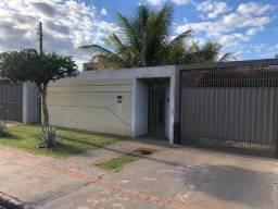 8439 | Casa à venda com 3 quartos em Parque Alvorada, Dourados