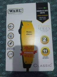 Máquina de cortar Cabelo Wahl Classic.