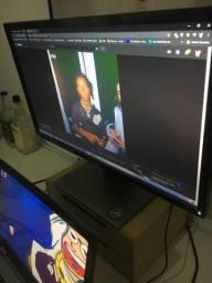 Monitor Dell com leves riscos na tela