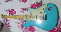 Guitarra Tagima 635 azul pastel