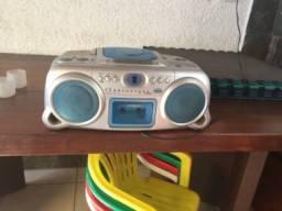 Rádio toca CD e toca fitas