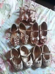 Sapatinhas de numeração 22 23 24 sandália 24