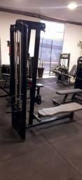 Máquina remada sentado
