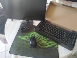 Monitor + mouse + mousepad + teclado ( defeito)