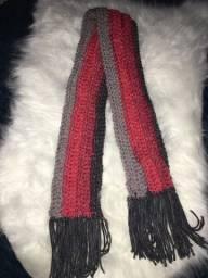 Cachecol Feminino de Lã em Crochê