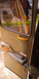 Ônibus escolar