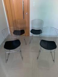 Mesa Tok Stok com 4 cadeiras bertoia