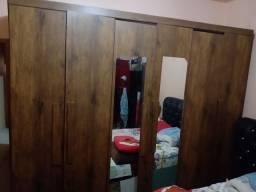 Armário guarda roupa grande