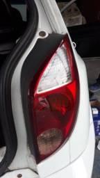 Vende-se lanterna traseira do celta 2007