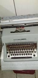 Máquina de escrever Antiga  Olivetti Linea