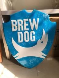 Placa escudo alto relevo Brew Dog Cervejaria