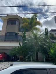 Casa com 3 quartos sendo um suíte e piscina no Vale dos Cristais em Macaé-RJ