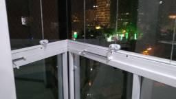Manutenções o fechamento de varanda *