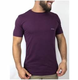 Camiseta Calvin Klein Básica Roxa GG