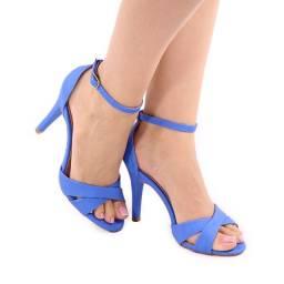 Salto feminino azul