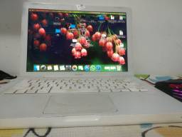 MacBook white 2009