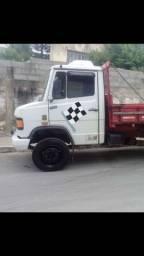Caminhão mb912
