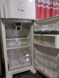 Geladeira Brastemp 429L Frost Free
