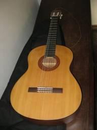 Violão Yamaha usado com capa
