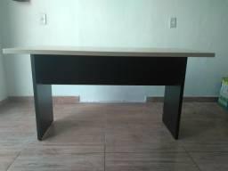 Vende-se 04 mesas p/ escritório semi-novas 1,20mtX60cm *WhatsApp (62)98146-6136. $220 cada