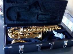 Saxofone eagle 501 dourado