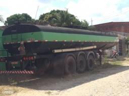 Carreta tanque c/ serviço - 2001