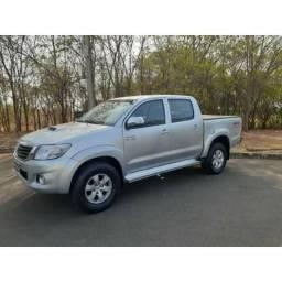 Toyota Hilux 3.0 SRV TOP 4X4 CD 16V TURBO INTERCOOLER DIESEL 4P AUTOMÁTICO - 2015