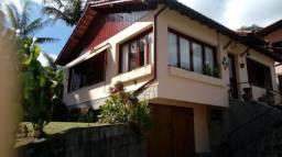 Casa independente com quintal, permuta por apto centro ou Braunes